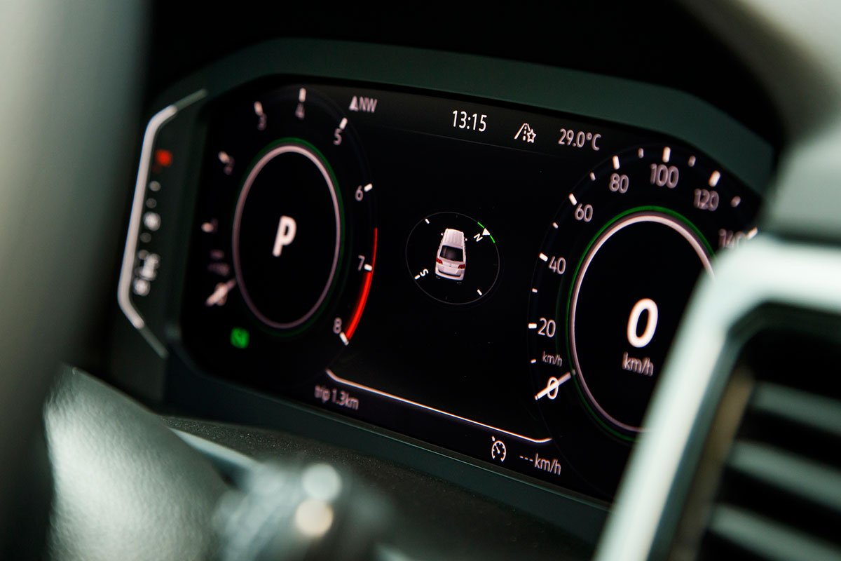 đồng hồ hiển thị thông tin xe Volkswagen Teramont .