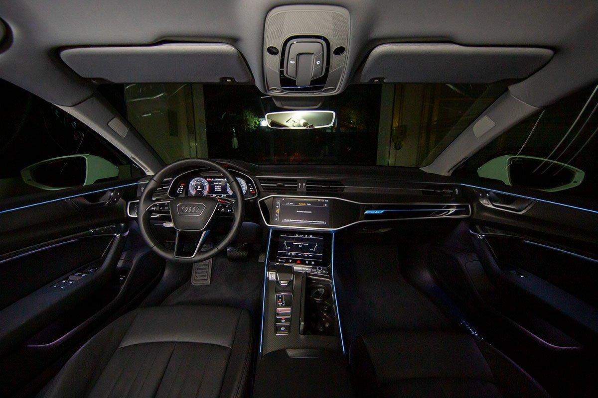 Nội thất xe Audi A7.
