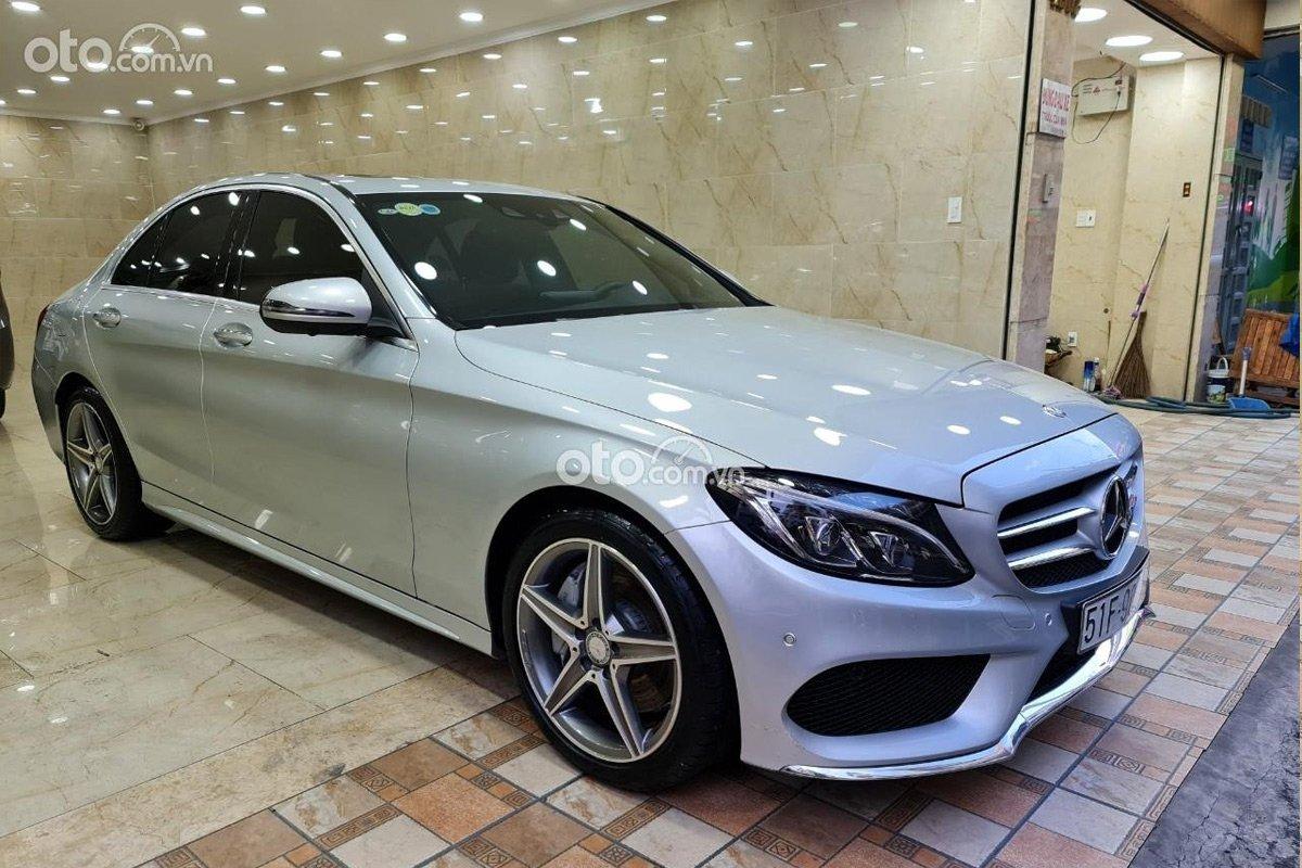 4 năm chỉ chạy 7.000km, Mercedes-Benz C300 vẫn bán lỗ hơn 800 triệu.