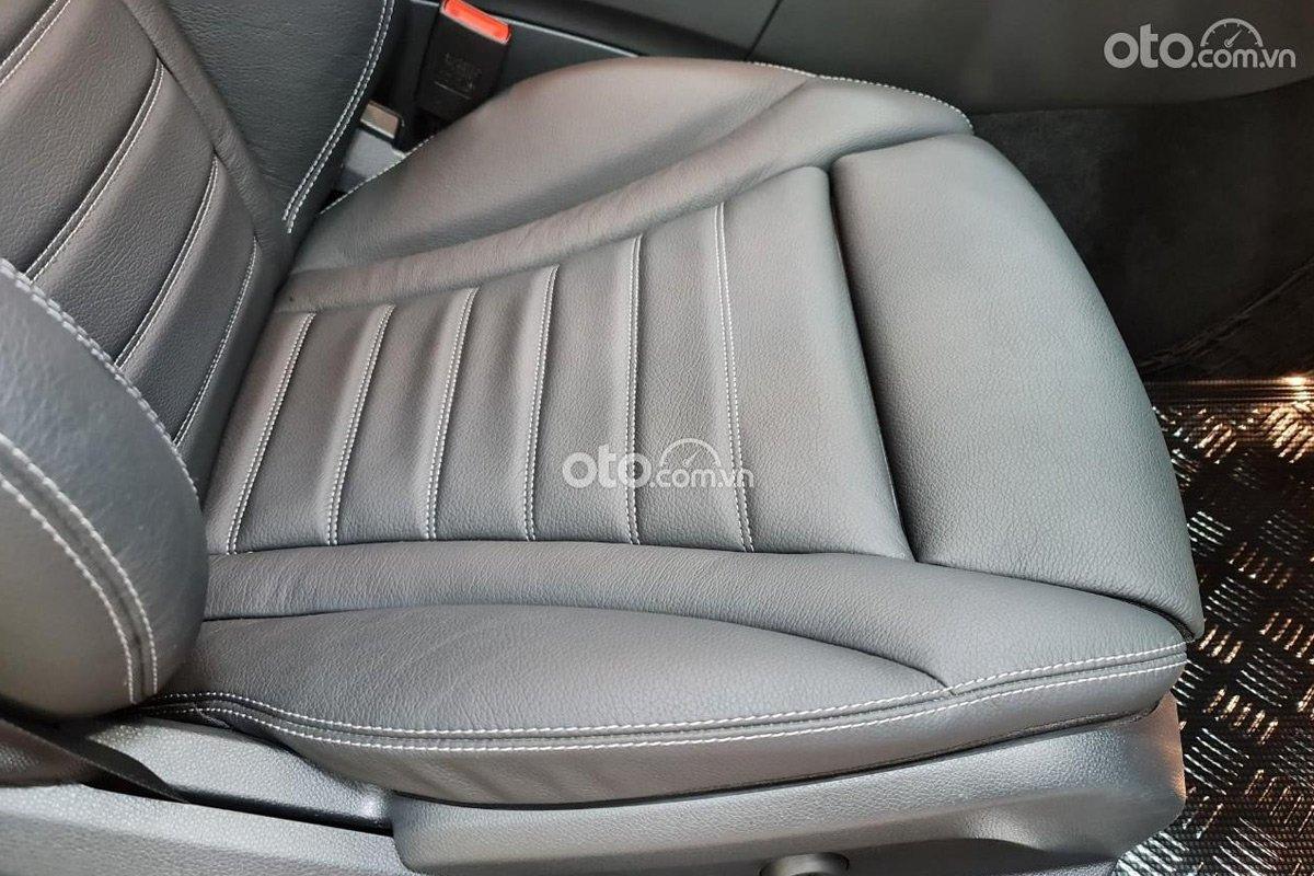 Mercedes-Benz C300 2017 rao bán sau hơn 7.000km.