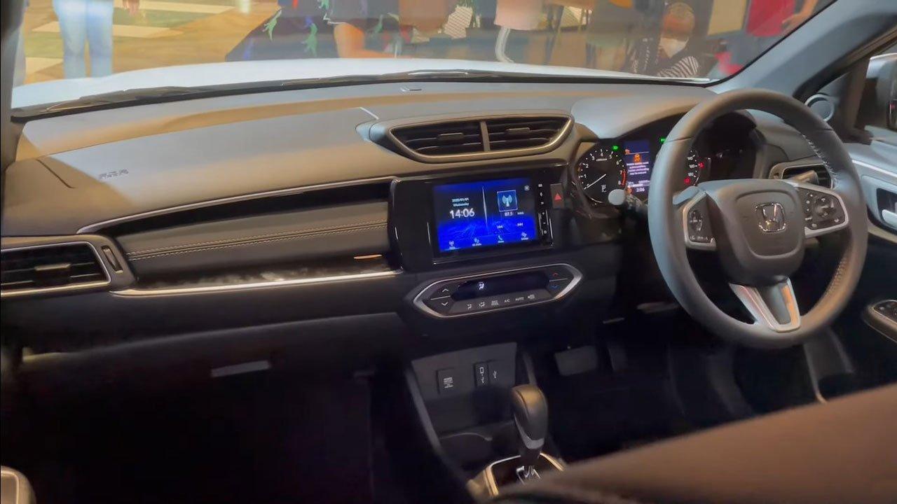 """Cận cảnh Honda BR-V 2022 """"bằng xương, bằng thịt"""": Nhiều trang bị hiện đại đấu Xpander a7"""
