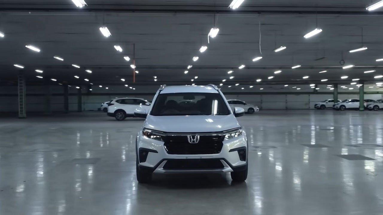 """Cận cảnh Honda BR-V 2022 """"bằng xương, bằng thịt"""": Nhiều trang bị hiện đại đấu Xpander a1"""