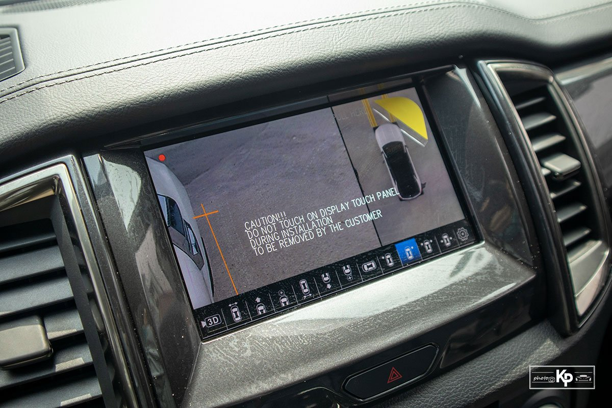 Ảnh Camera lùi xe Ford Everest 2021
