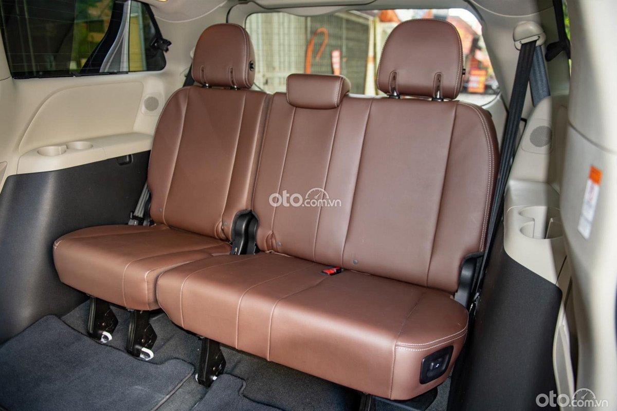 Khoang nội thất bên trong Toyota Sienna Limited 2018 rất mới.