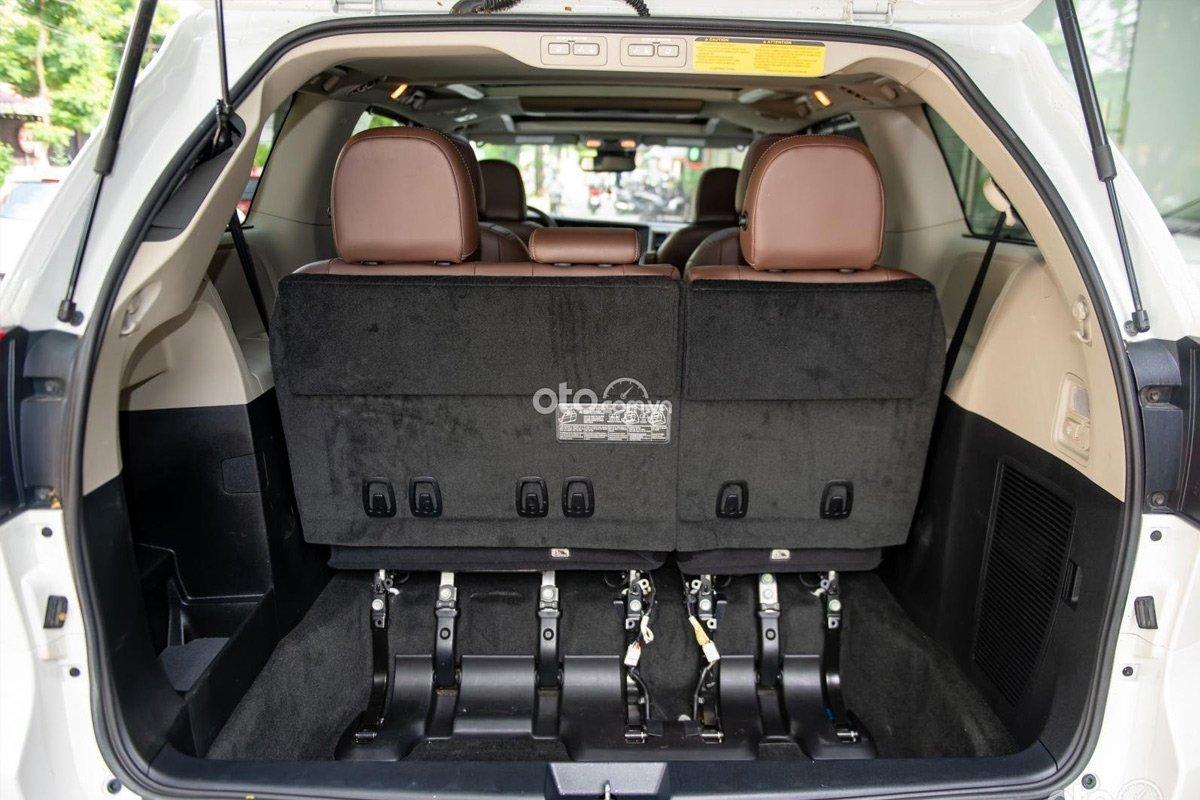 Nội thất bên trong Toyota Sienna Limited 2018 còn rất mới.