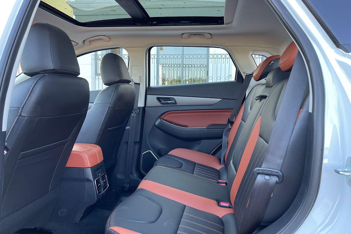 ghế sau xe BAIC X55.
