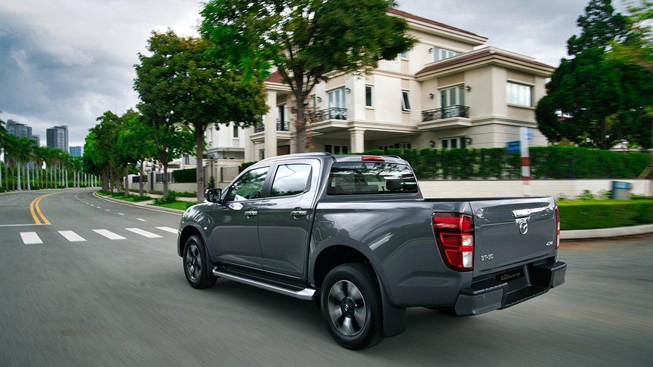 Mazda hỗ trợ 50% lệ phí trước bạ, tặng kèm ưu đãi lớn cho khách mua xe tháng 10 1