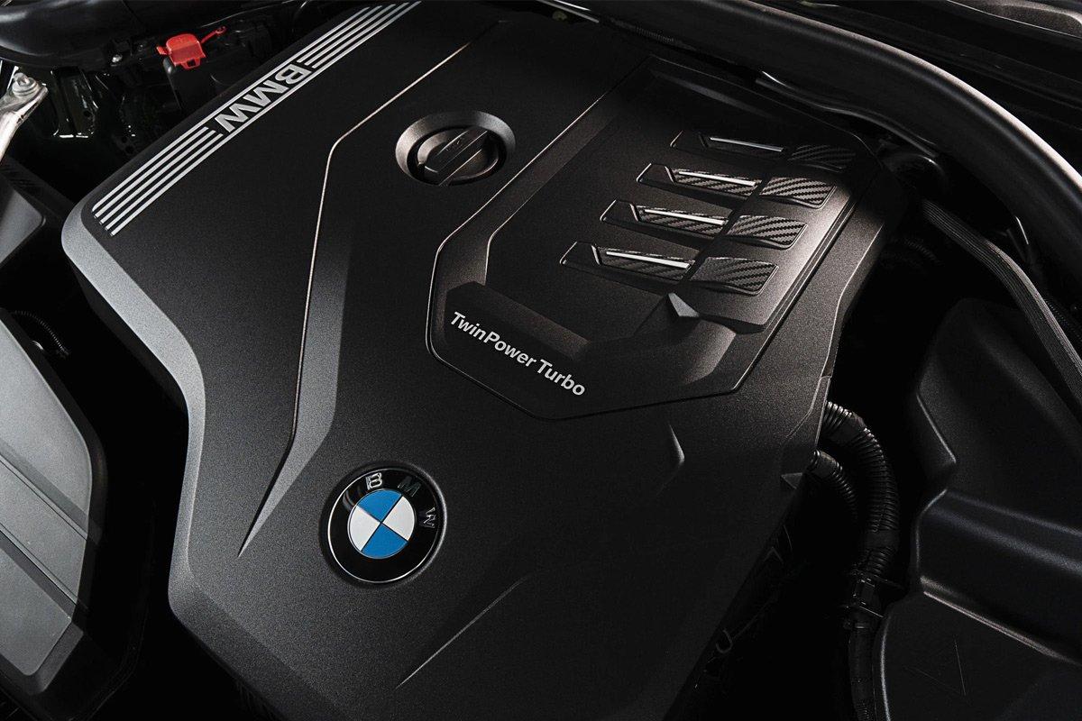 cho BMW 430i Convertible M Sport là động cơ tăng áp I4 2.0L.