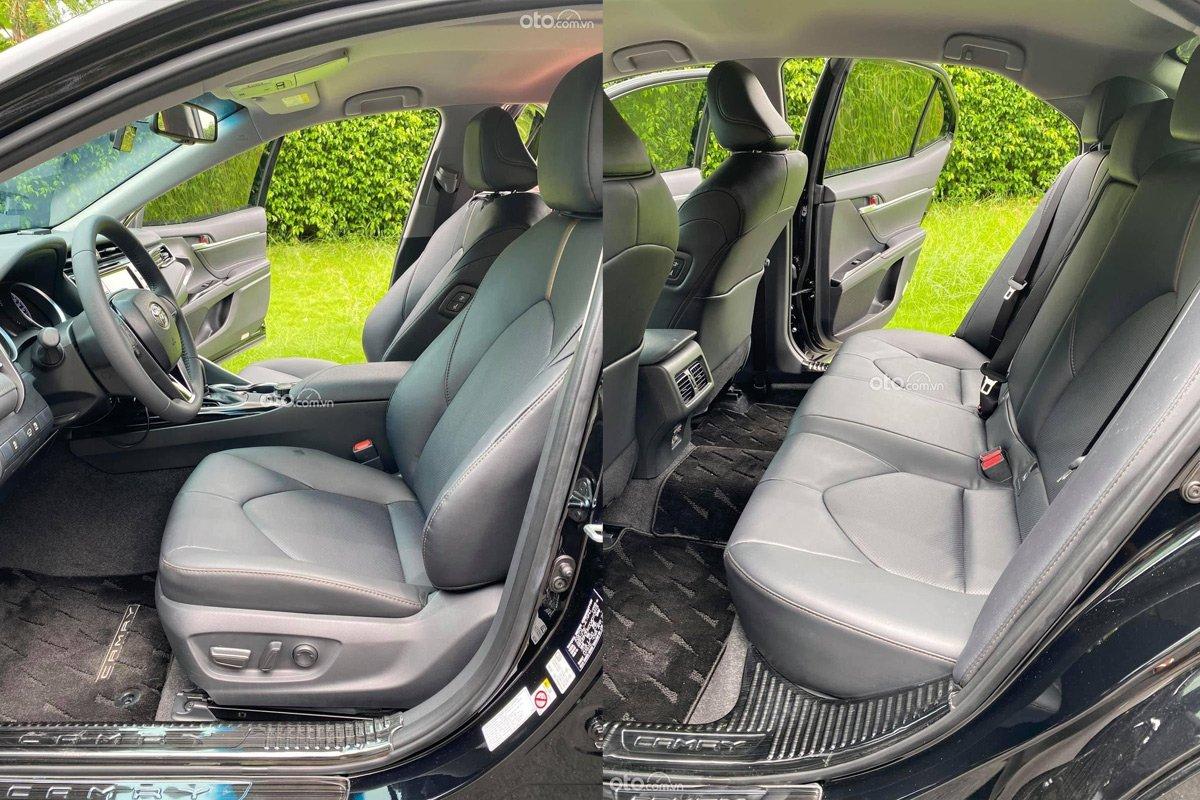 Toyota Camry 2021 lăn bánh chỉ 600 km đã được rao bán.