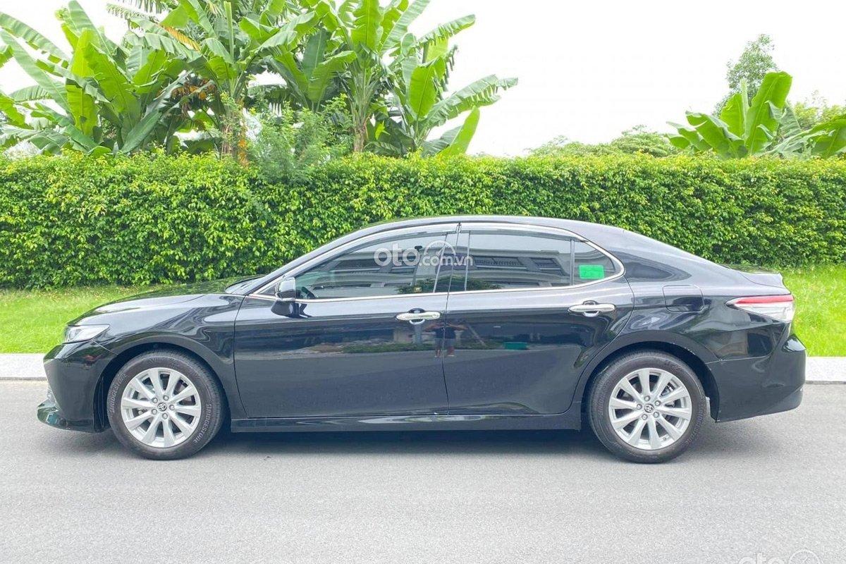 Toyota Camry được đánh giá cao khi xe sở hữu vẻ ngoài bắt mắt.