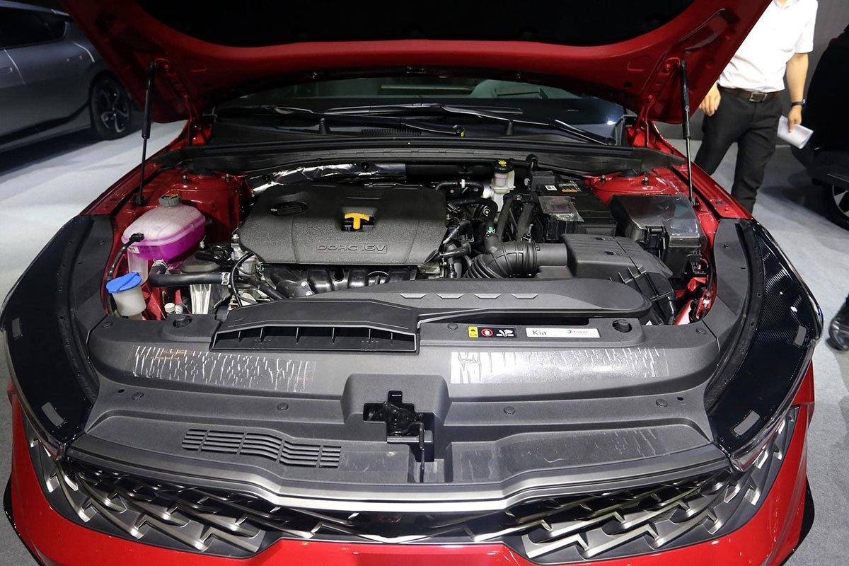 """Ảnh thực tế KIA K5 2022 mới ra mắt, liệu có """"lật ngược thế cờ"""" trước Toyota Camry? a10"""
