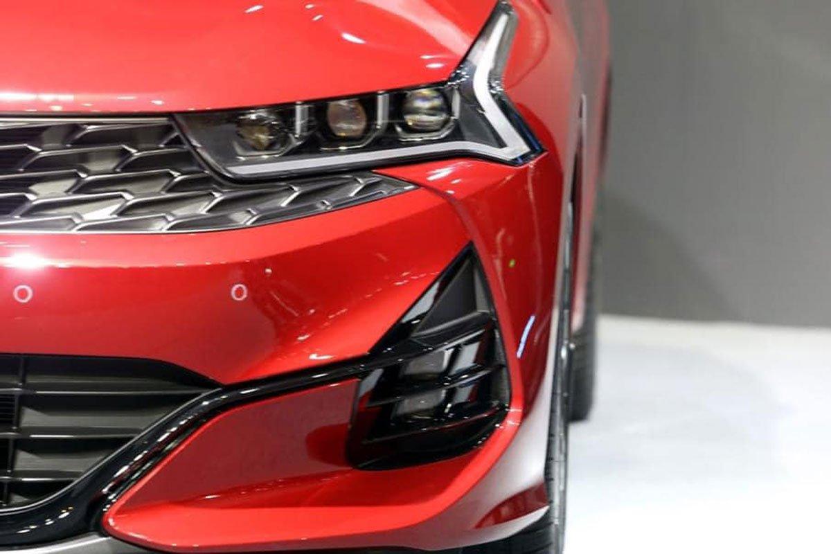 """Ảnh thực tế KIA K5 2022 mới ra mắt, liệu có """"lật ngược thế cờ"""" trước Toyota Camry? a3"""