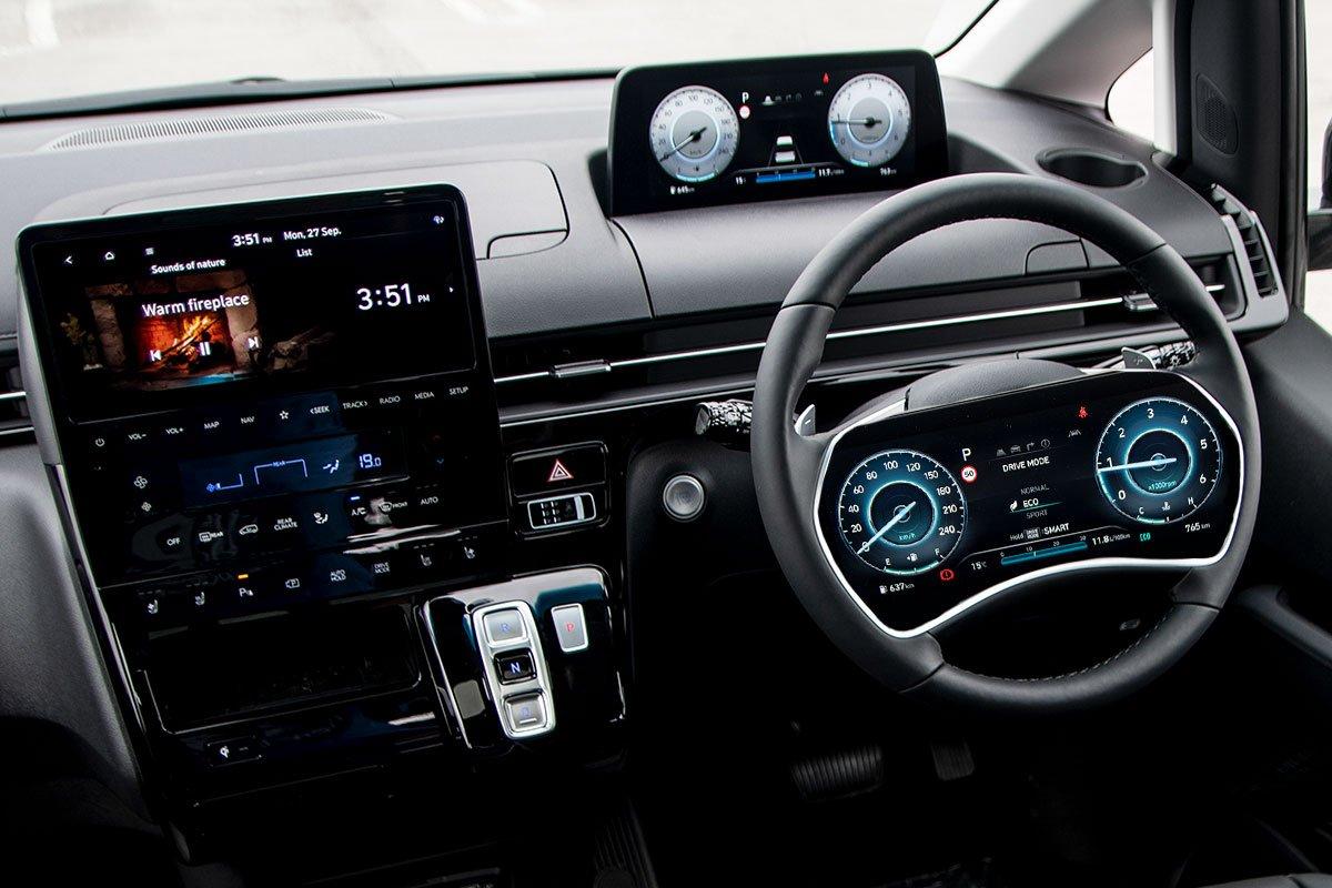 Màn hình trên vô lăng của Hyundai.