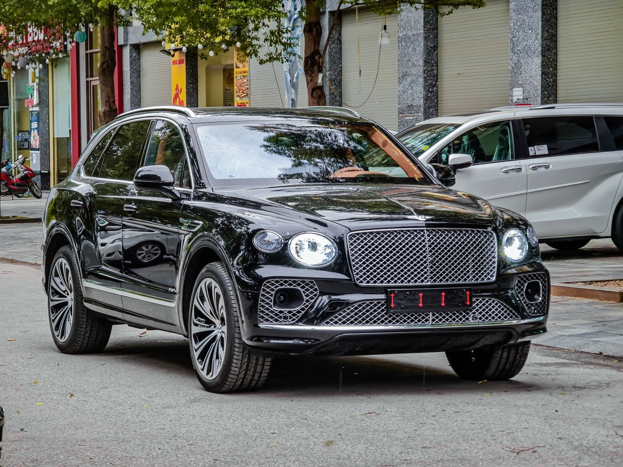 Giá xe Bentley Bentayga mới nhất