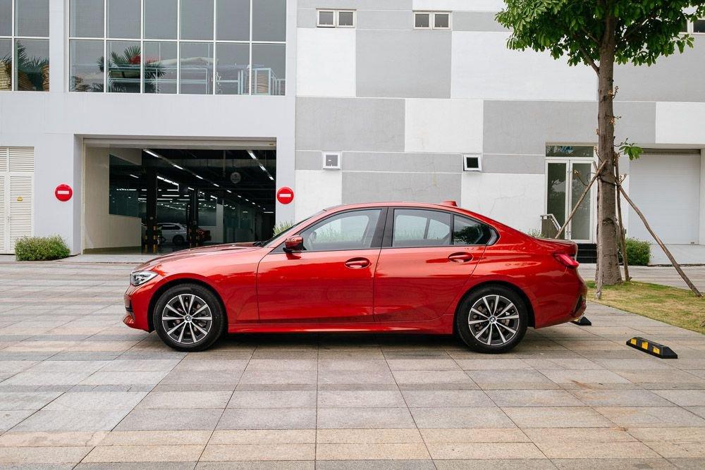 giá xe BMW 320i 2020.