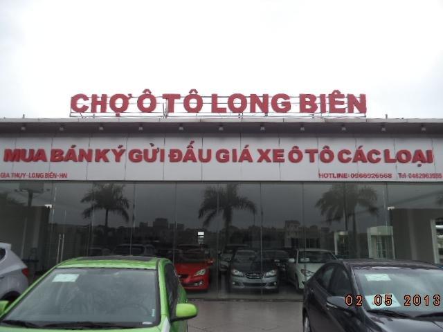 Chợ Ô tô Long Biên (1)