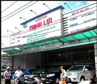 Salon ô tô Thịnh Lợi (2)