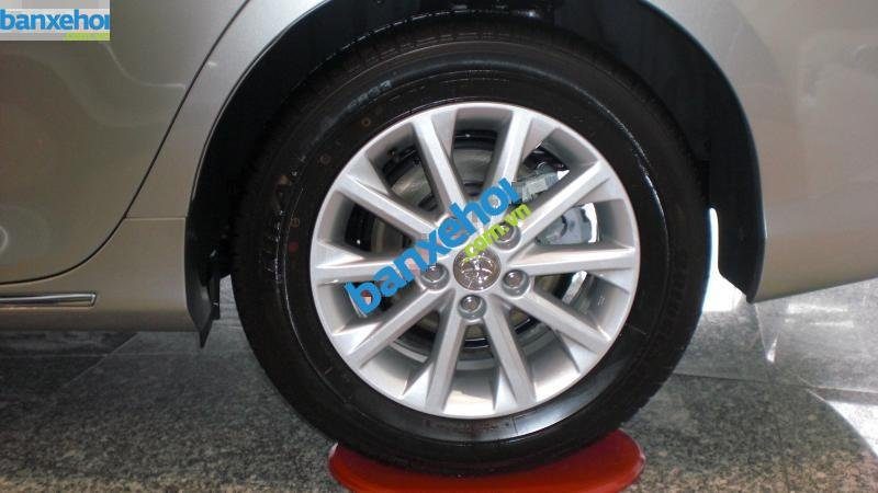 Xe Toyota Camry 2.0E 2014-3