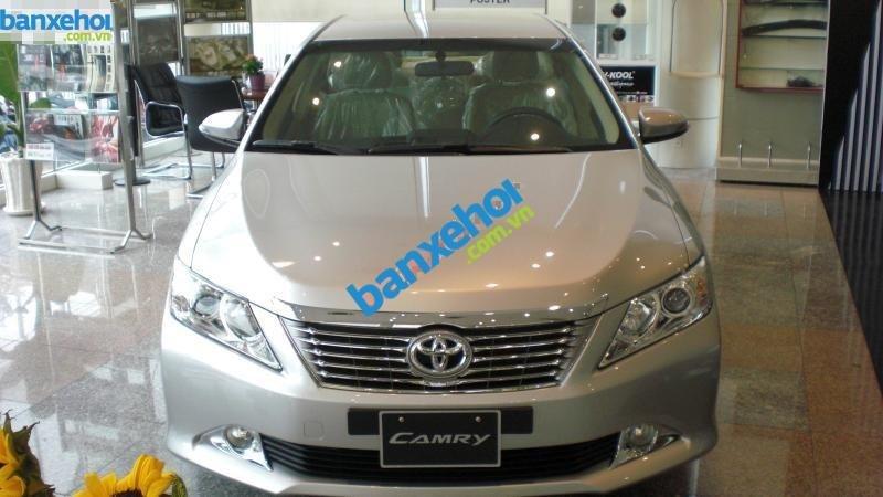 Xe Toyota Camry 2.0E 2014-0