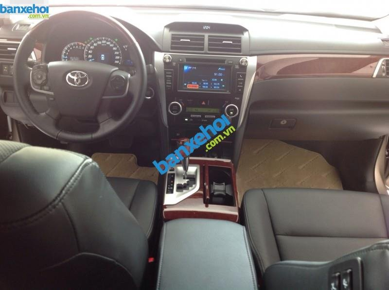 Xe Toyota Camry 2.5Q 2014-3