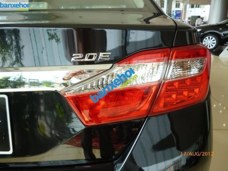 Xe Toyota Camry 2.0E 2013-4