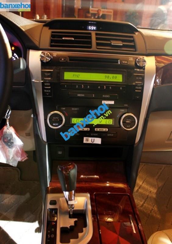 Xe Toyota Camry 2.0E 2014-8