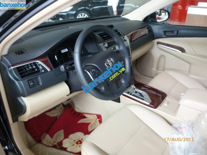 Xe Toyota Camry 2.0E 2013-6