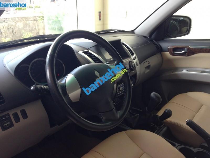 Xe Mitsubishi Pajero sport 2012-2