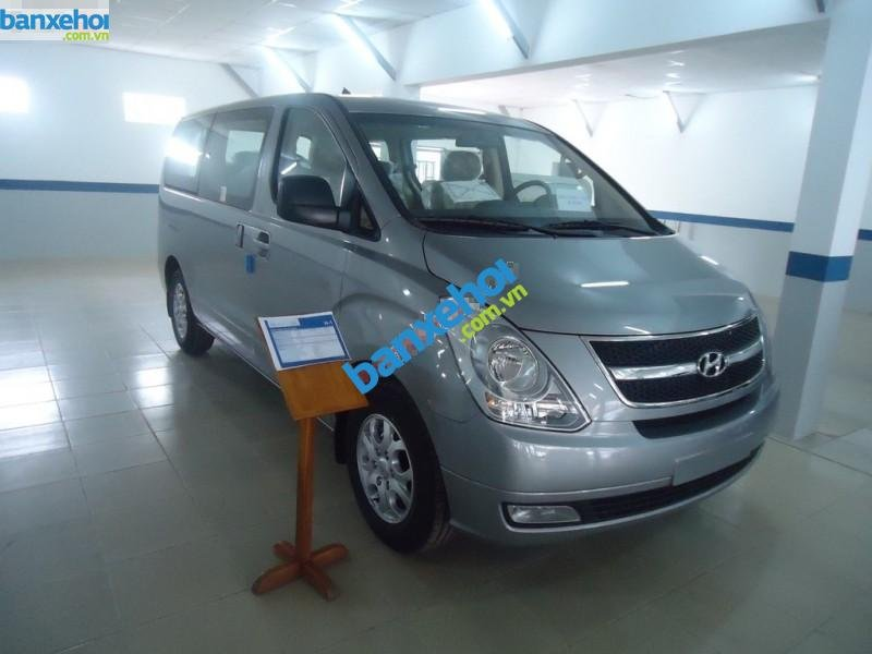 Xe Hyundai Starex  2014-0