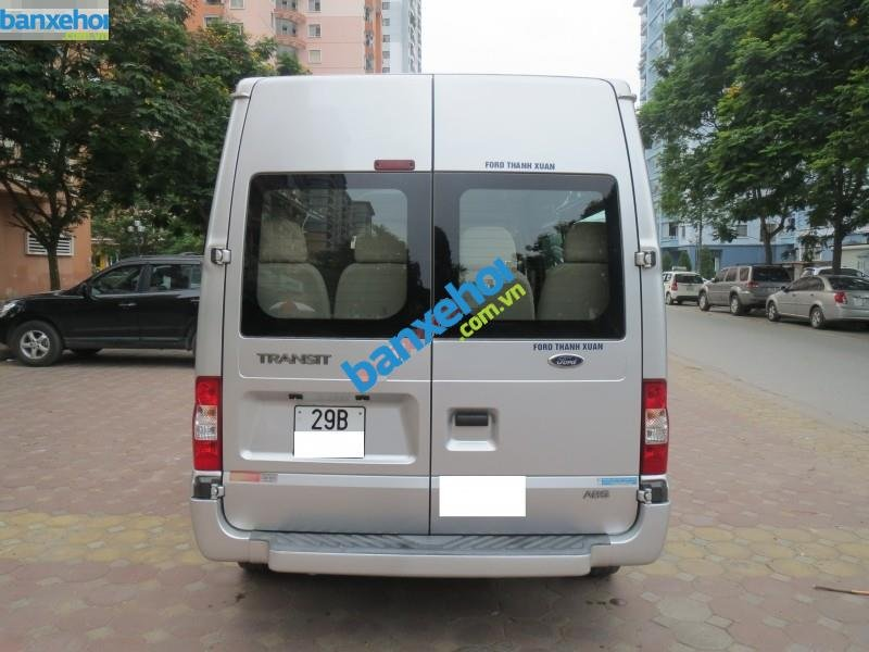 Xe Ford Transit  2012-3