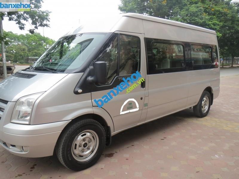 Xe Ford Transit  2012-2