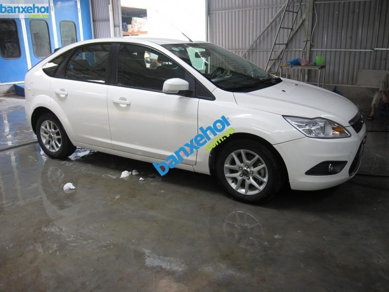 Xe Ford Focus RS 2010-0