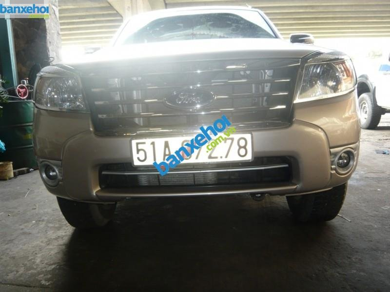 Xe Ford Everest 4x2 MT 2010-5