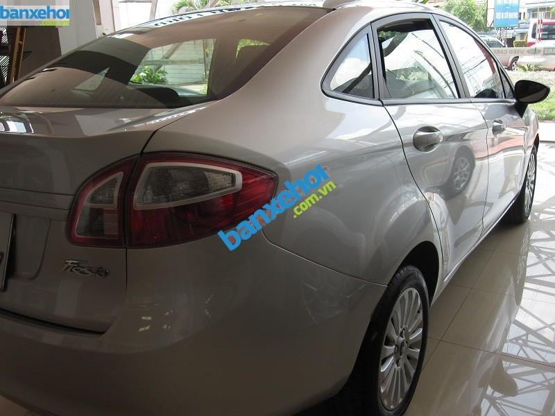 Xe Ford Fiesta  2011-2