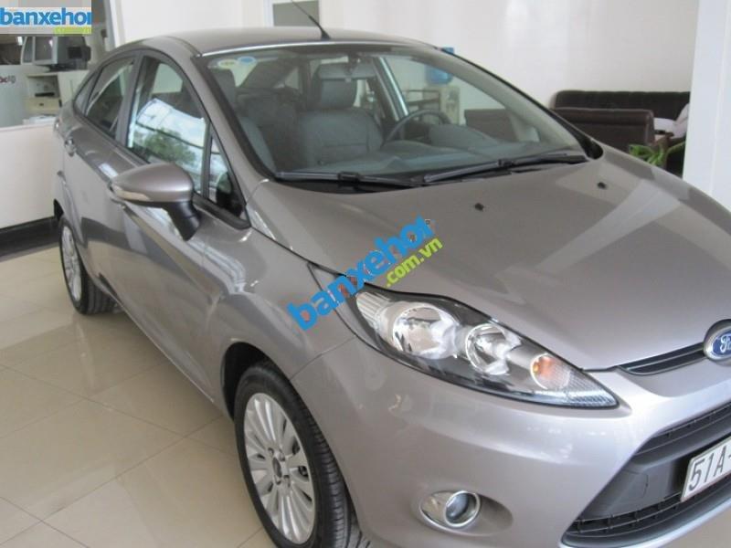 Xe Ford Fiesta  2011-0