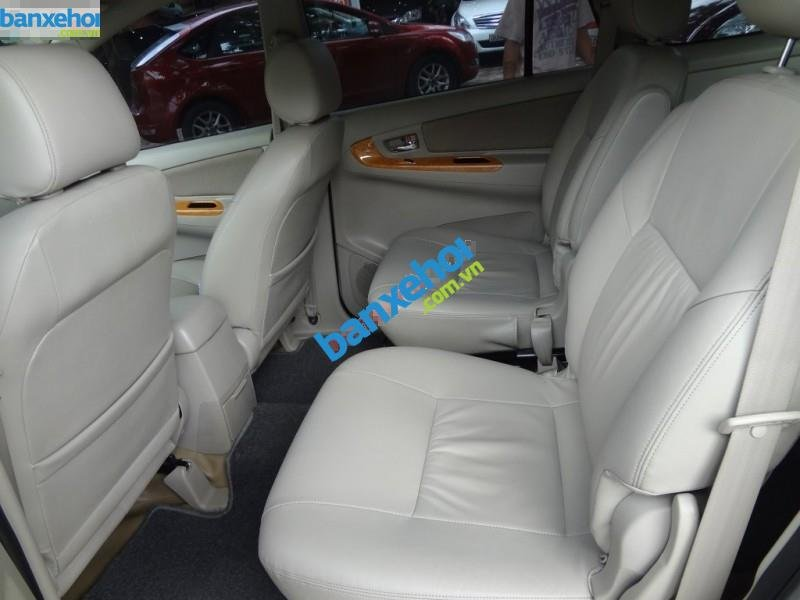 Xe Toyota Innova GSR 2011-5