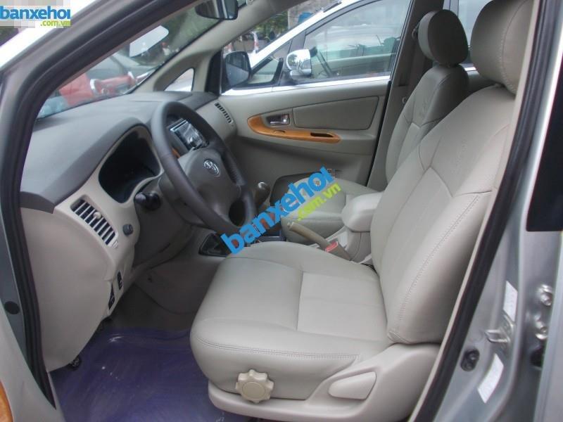 Xe Toyota Innova G 2011-0