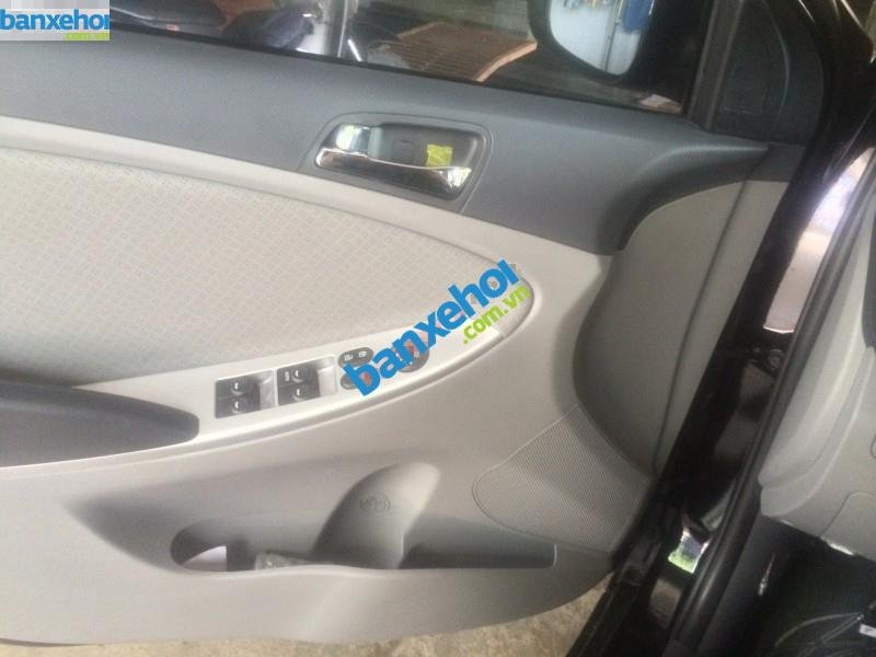 Xe Hyundai Accent  2013-4