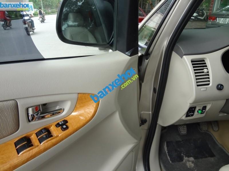 Xe Toyota Innova GSR 2011-4