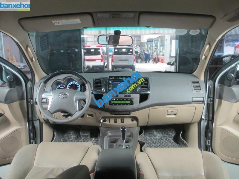 Xe Toyota Fortuner V 2.7 AT 2013-8