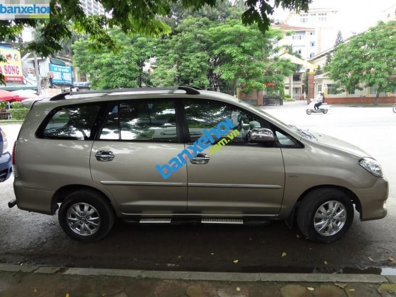 Xe Toyota Innova GSR 2011-1