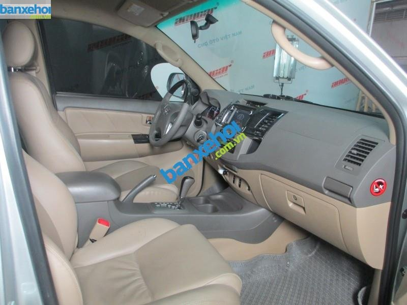Xe Toyota Fortuner V 2.7 AT 2013-5