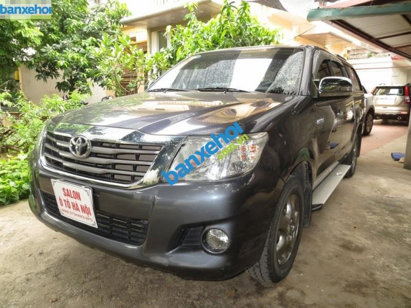 Xe Toyota Hilux  2011-1