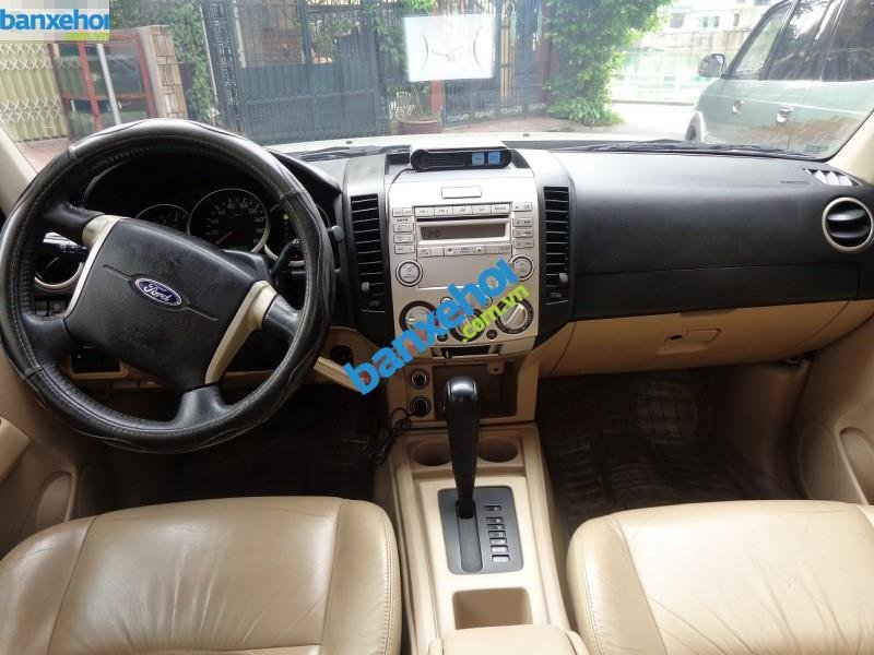 Xe Ford Everest  2010-5