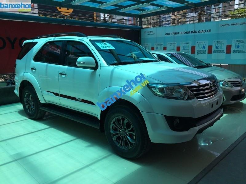 Xe Toyota Fortuner 2.7V Sportivo 2014-3