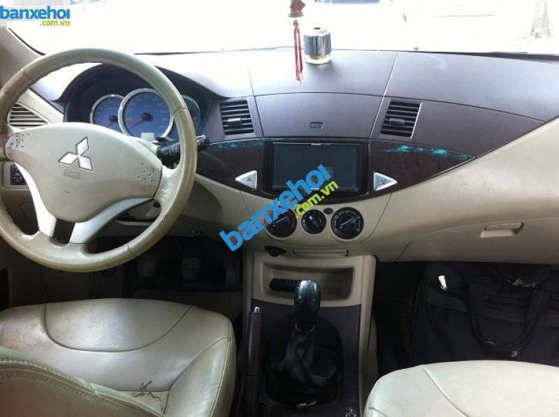 Xe Mitsubishi Zinger  2010-2