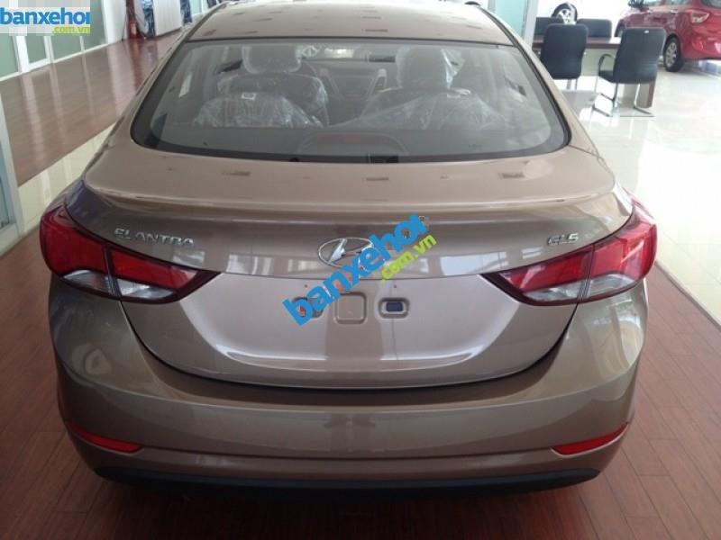 Xe Hyundai Elantra 1.6MT 2015 giá 625 triệu-3