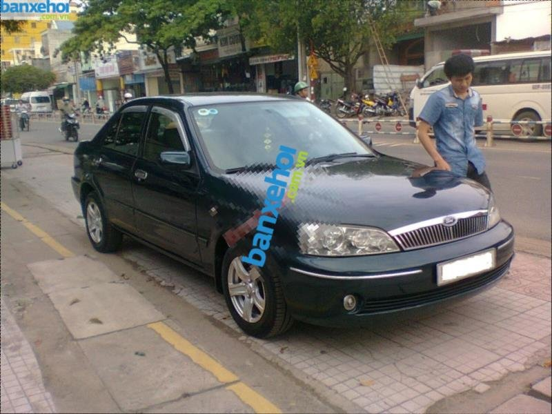 Xe Ford Laser  2003-0