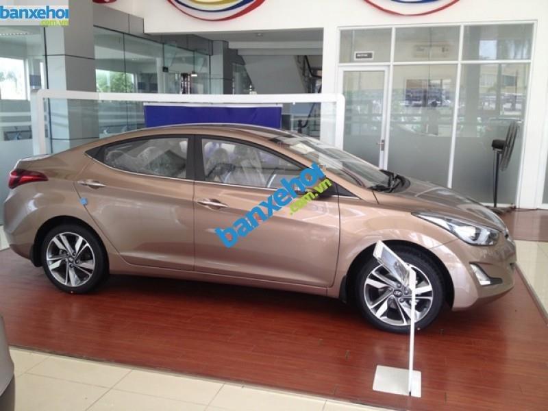 Xe Hyundai Elantra 1.6MT 2015 giá 625 triệu-6