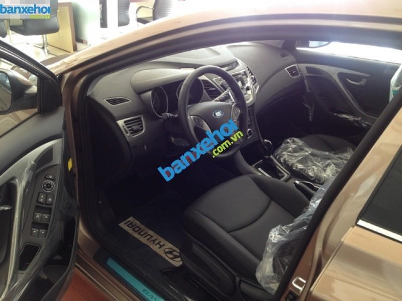 Xe Hyundai Elantra 1.6MT 2015 giá 625 triệu-8